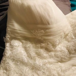 Casablanca sweat heart wedding dress size 22-24